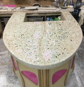 island worktop decorated with marbles